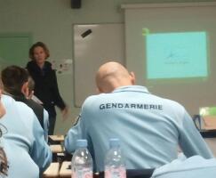 30.11.2010 Training der französischen Gendarmen in Fortainebleau über das Tiertransportschutzgesetz
